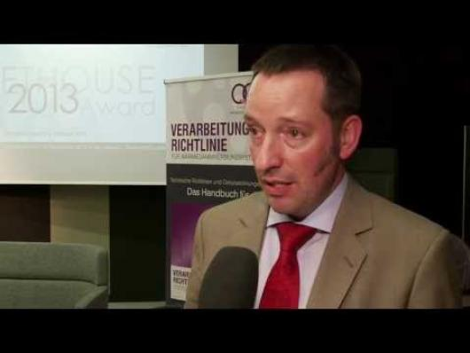 Embedded thumbnail for Video: 2. QG Talk im bene Showroom